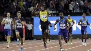 El momento exacto. Bolt se lesionó y no pudo acabar su última carrera profesional.