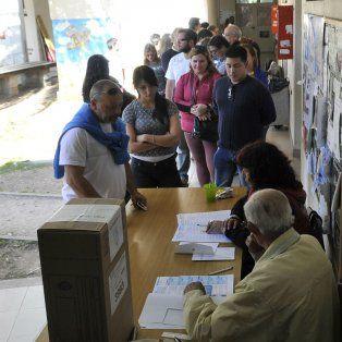 arranco la votacion y santa fe elige candidatos a diputado en el primer test electoral de macri