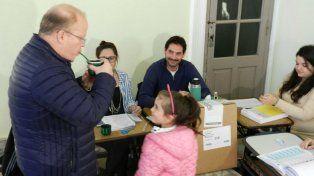 Contigiani votó en Arequito y dijo que es un lindo día para avanzar a la gran final de octubre