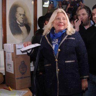 elisa carrio almorzo con macri, voto feliz pero fue increpada por manifestantes