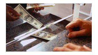 El dólar desaceleró la caída, pero tuvo una nueva baja tras las Paso
