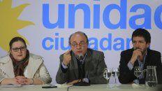 Denuncia. Leopoldo Moreau, del Instituto Patria, dijo que se secuestró el voto de los bonaerenses.