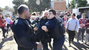El reportero gráfico de este medio sufrió apremios por parte de la policía.