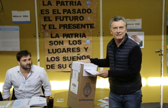 El presidente de la Nación al votar en las Paso
