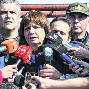 Ministra. Patricia Bullrich ayer al participar de la demolición de tres búnkers de droga en La Matanza.