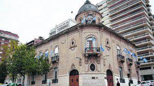 Ese objeto del deseo. En el Palacio Vasallo deberán renovarse 13 bancas.