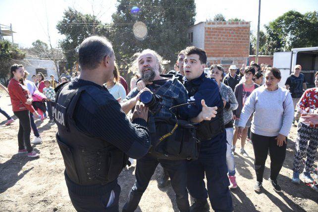 La policía agredió a Pancho Guillén.