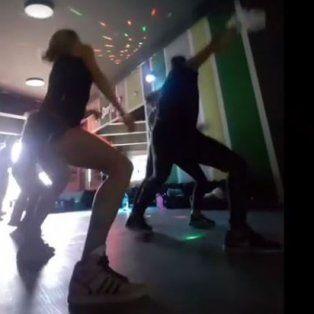 los videos del perreo hot de nicole neumann que esta feliz en las clases de baile