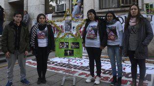 Los familiares de Damián Orgaz reclamaron que el mecánico Juan Carlos Schmitt pague por lo que hizo.