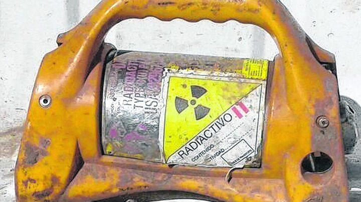 Robusto. El dispositivo tiene una fuente radiactiva de fuerte intensidad.