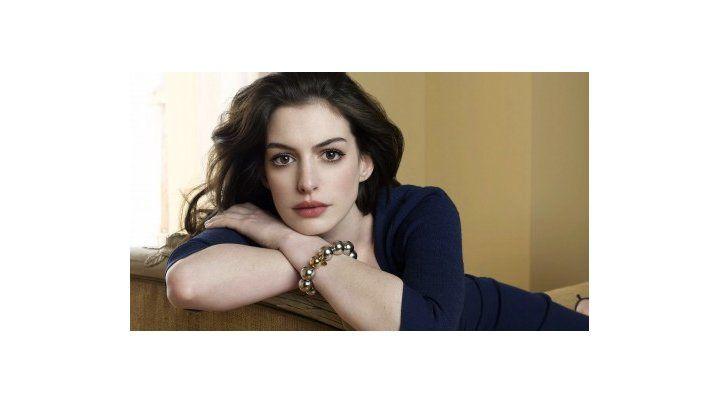 Escándalo en Hollywood por la filtración de fotos en la que se ve desnuda a Anne Hathaway