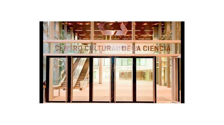 bienal de diseño. Se desarrolla en el Centro Cultural de la Ciencia..