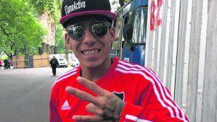 Hiperactivo. Brian Sarmiento, un futbolista con una gran exposición mediática, se sumó a Newells el mes pasado.