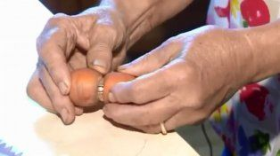 Una zanahoria le devolvió la felicidad y el anillo de compromiso a una mujer canadiense