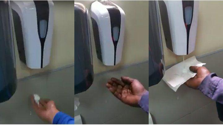 Un dispenser racista: niega jabón líquido a un hombre de raza negra