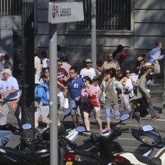 Ví la cara del terrorista, contó una argentina que esperaba para cruzar la calle en Barcelona