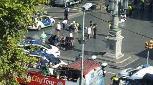 son 13 los muertos por atentado con una camioneta que atropello una multitud en barcelona