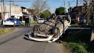 Italia y Brandoni. El Chevrolet Corsa, donde iban las víctimas.