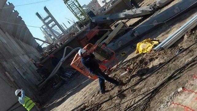 Un trabajador muerto y varios heridos al caer una viga en una empresa aceitera de Timbúes