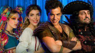 Angela Torres (Tigrilla), Josefina Scaglione (Wendy), Fernando Dente (Peter Pan) y Gabriel Goity (Capitán Garfio).