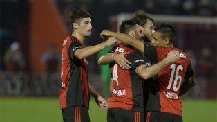 Gol y triunfo. San Román convirtió el 1-0 para Newells sobre Talleres en el Coloso.