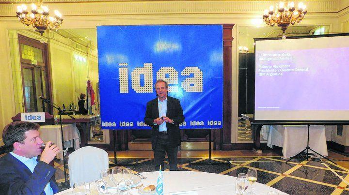 Fórum. El presidente de IBM disertó en Rosario invitado por Idea Centro sobre mitos