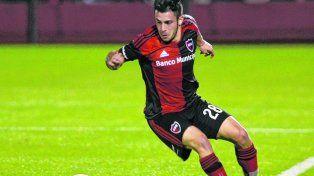 Suma rodaje. Valenzuela fue titular en la victoria leprosa 1 a 0 ante Talleres del viernes por la noche.