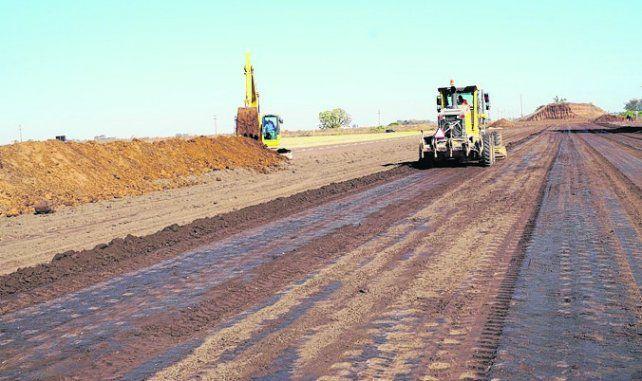 En marcha. Las obras beneficiarán la circulación de la producción zonal.