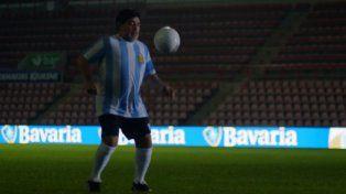 Maradona desmuestra en Holanda que fútbol y cerveza no son incompatibles
