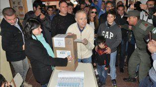 ¿Puede Menem presentarse o no? La Corte envió las actuaciones a la Cámara Electoral para que emita un nuevo pronunciamiento.