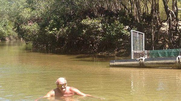 Al anciano australiano no le importó poner en riesgo su vida para intentar impresionar a sus nietos.