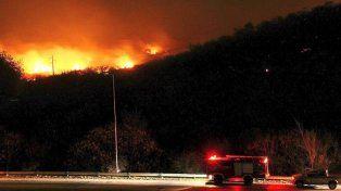 Dos focos de incendio mantienen en vilo a varias localidades de Córdoba y hay evacuados