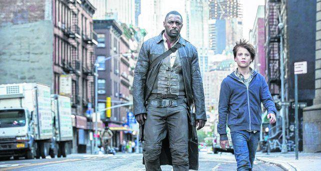 en la ruta. El actor británico Idris Elba interpreta a Roland