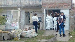 El agresor intentó incendiar el taller donde se había refugiado pero lo rescataron los bomberos.