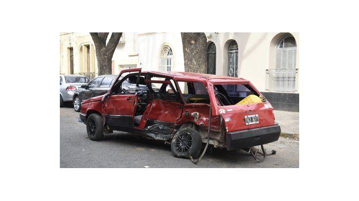 impacto. Así quedó el Fiat Duna que conducía el joven Andrés Muñoz el 29 de julio pasado