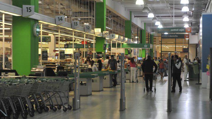La ley de descanso dominical no se aplica a todos los supermercados.