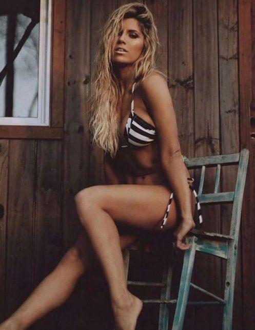 Infartantes fotos de Laurita Fernández que cambia de bikinis para adelantar la primavera