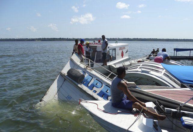 Ascendió a 19 el número de muertos por el naufragio en el norte de Brasil