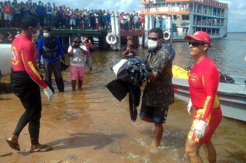 rescate. A Porto de Moz fueron llevados los cuerpos hallados en el río Xingú.