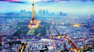 Los turistas vuelven a París tras los atentados
