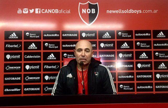 Llop dijo que Newells llega bien, con actitud y ganas de empezar ganando