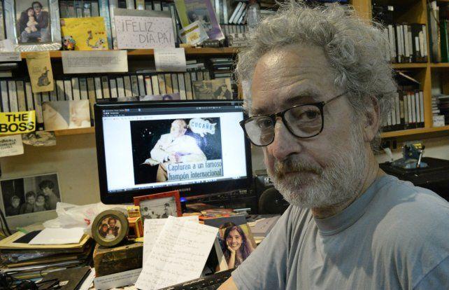 El cineasta Mario Piazza en su estudio de trabajo.