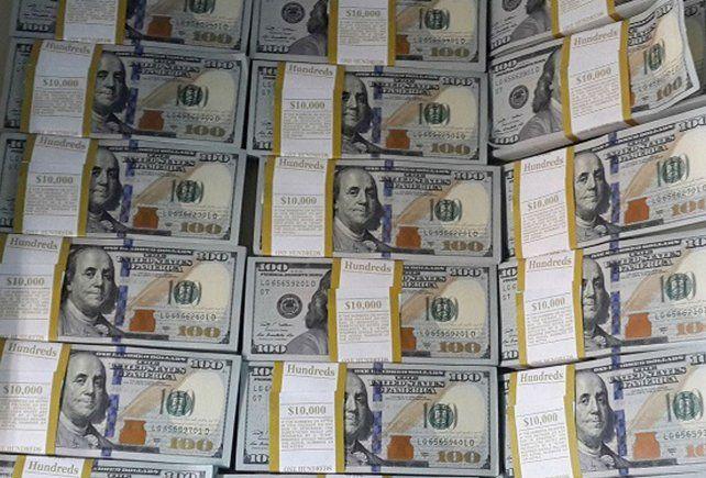 El precio del dólar está contenido luego de que el gobierno elevara las tasas de interés.