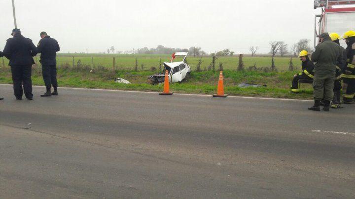 Un muerto y dos heridos al chocar un camión contra un auto en la ruta 33 cerca de Pujato