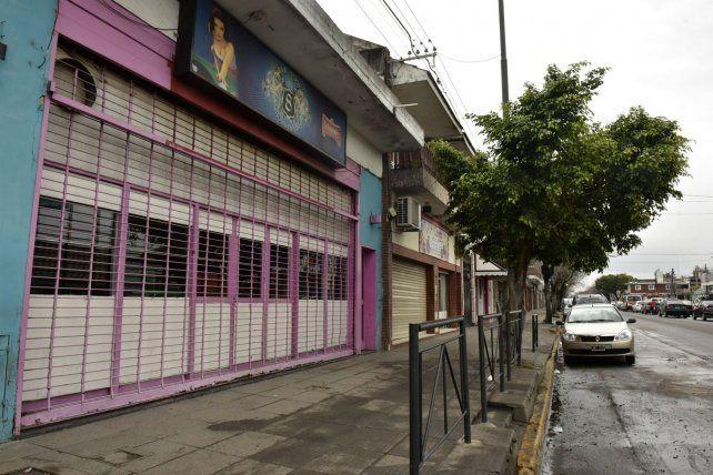 El bar y pool de Arijón al 2100 donde balearon a Ricardo Ledesma hace una semana.