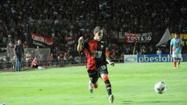 Apuntado. Silva jugó el último año y medio en Colón. El club asegura que el futbolista tiene contrato hasta 2020.