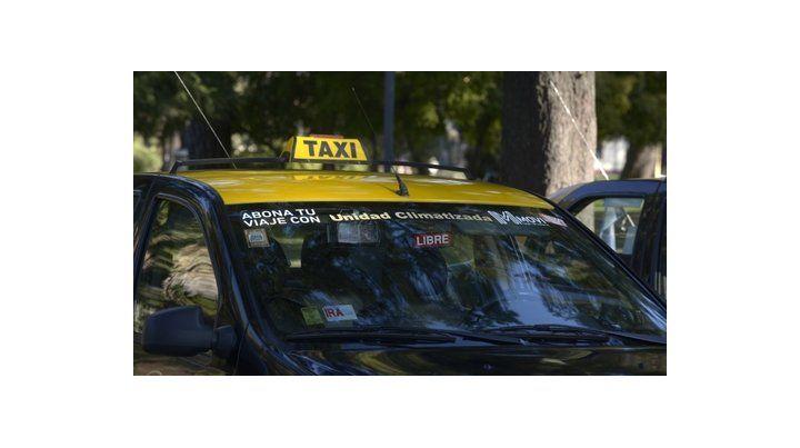 debate. Representantes de titulares y peones de taxis irán hoy hasta el Concejo para sostener sus posiciones.