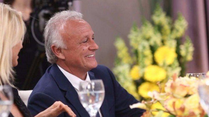 El exembajador de Panamá almorzó con Mirtha Legrand y contó cómo lo afectaron las críticas en las redes sociales.