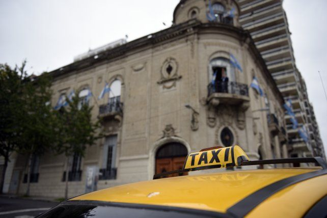 Un grupo de taxistas acudió hoy al Concejo Municipal.