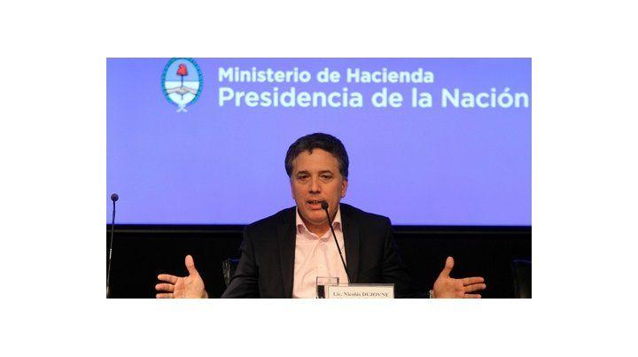 Tiempo de rebajas. El ministro de Hacienda busca bajar impuestos a los sectores empresarios del país.